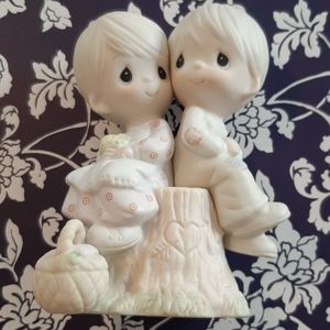 "PRECIOUS MOMENTS ""Love One ANOTHER"" Collectable"